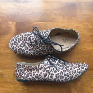 Leopard print lace up flats | black poppy